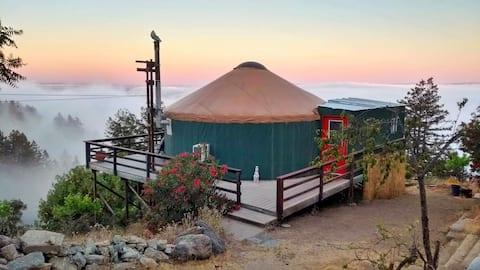 Refugi de Yurt Goatel al mont Madonna