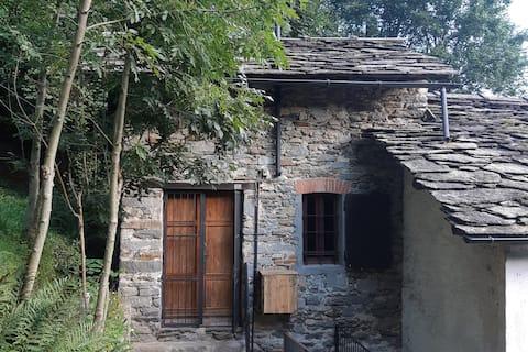 Casetta in pietra - kivinen pikku talo