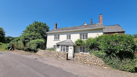 Stunning 3 Bed, Grade 2 listed Watermill Cottage