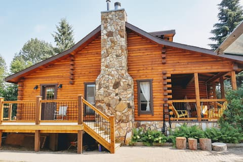 Just listed-Stunning log home at the beach!