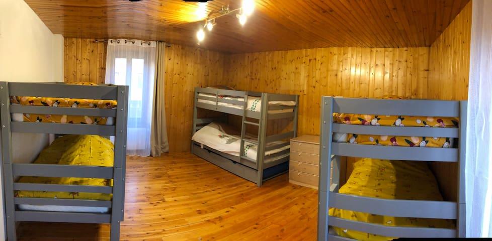 La 3ème chambre à l'étage avec une capacité de 7 couchages