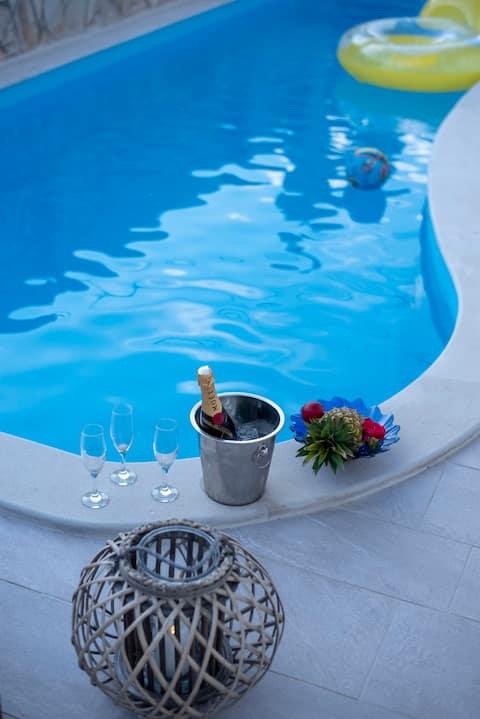 Villa Stoja apartment 4 near Dubrovnik with Pool