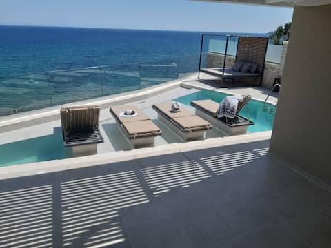 Luxury Villa Dioskouroi eco pool & jacuzzi Kalyves