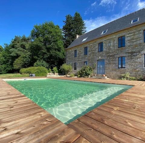 Magnifique ancienne ferme de notables avec piscine