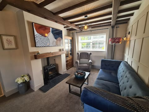 Stunning  2 bed cottage -  10 mins from Chester