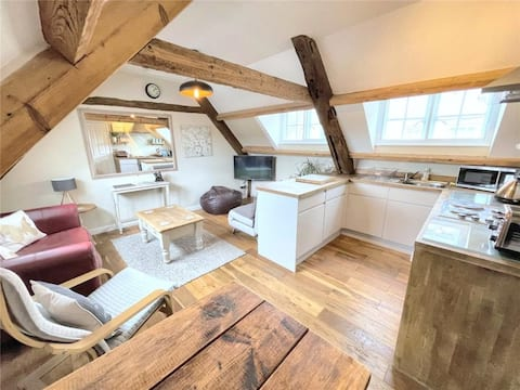 Characterful & Central - Entire Flat