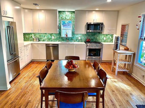 Renovated Central Austin 2BR with Beautiful Yard