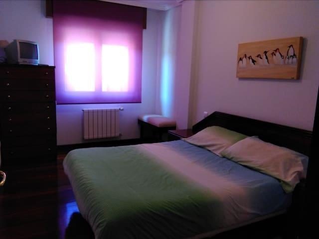 Segundo dormitorio con cama de 1,50
