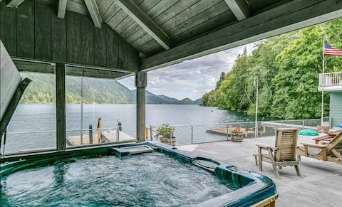 Olympic NP Lakefront House-Hot Tub+Dogs stay FREE!