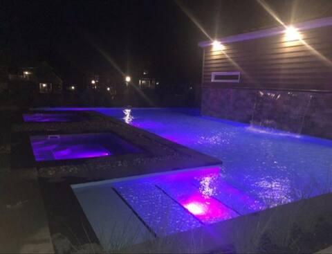 Condo studio avec piscine, spa et parc aquatique !