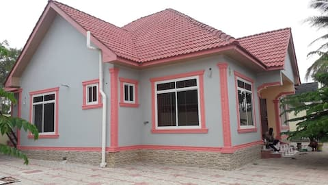 Lovely 4 bedrooms unit with outer space, Garage.