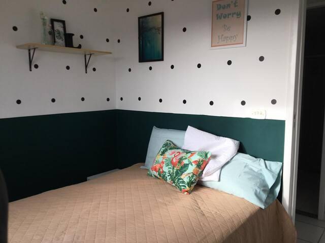 Quarto (cama de casal)