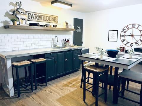 Bear Necessities - Entire 1 Bedroom apartment