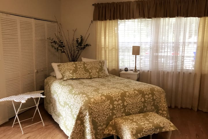 Sleeping Area with Queen Size Bed