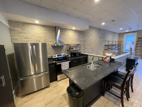 Brand New 1200 sq ft apartment Downtown Hartford