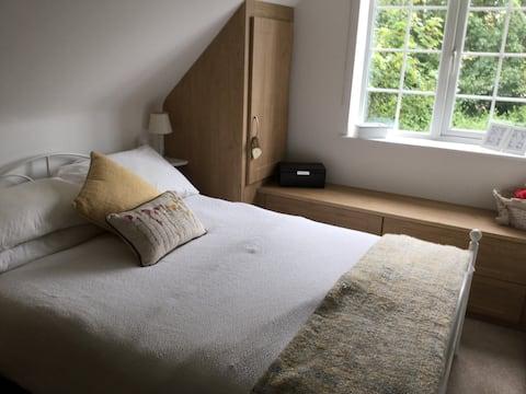 Accogliente cottage con due camere da letto nel pittoresco villaggio.