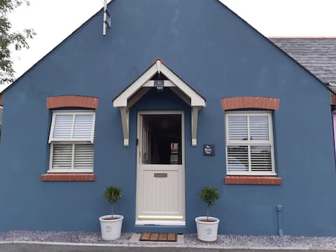 Cosy 2 Bedroom Cottage in the heart of Narberth