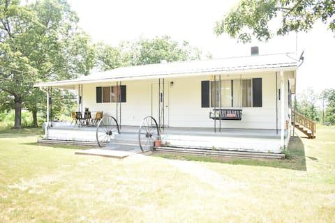Hickory Grove Farm Cottage