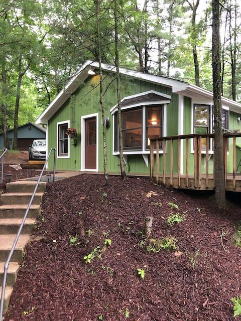 Amazing, Cottage on High Lake w/ Shared Lake Front
