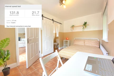 Cheerful 1-bedroom house with parking