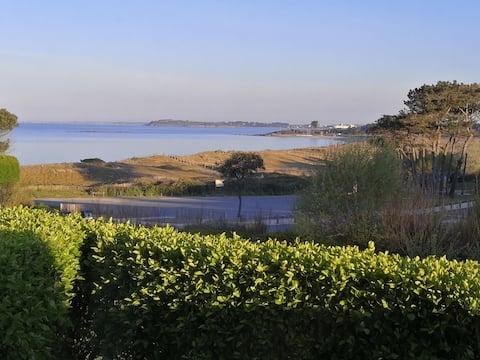 Beautiful refurbished sea view apartment