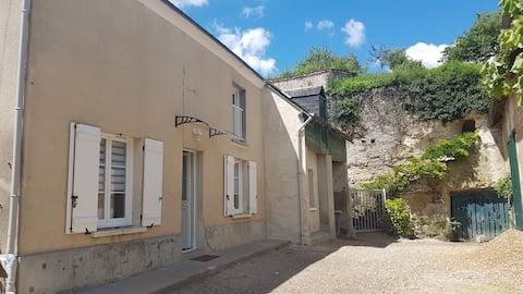 Les Cavelots 2 bedroom house in Loire Valley