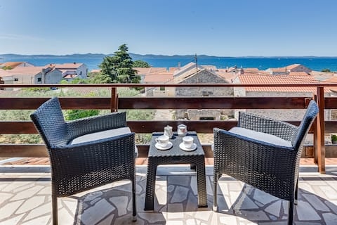 A2- Lovely 1-bed apartment with beautiful sea view