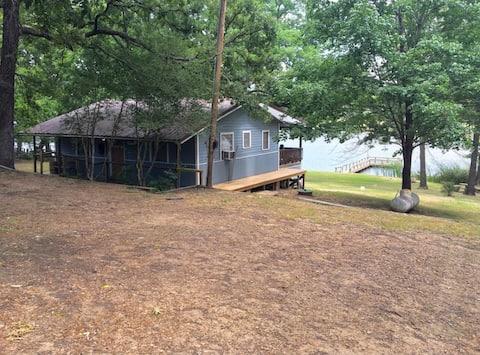 Calm Waters - Lakeside Cabin