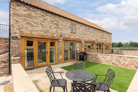 The cottage-luxury  barn conversion-Adults only