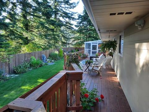 Beautiful 2500 square feet single level home