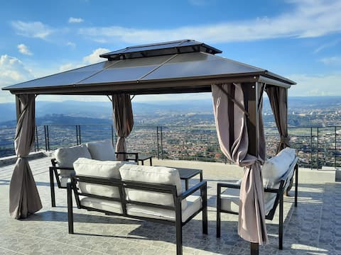Luxury stay with enjoyable hilly and mountain view