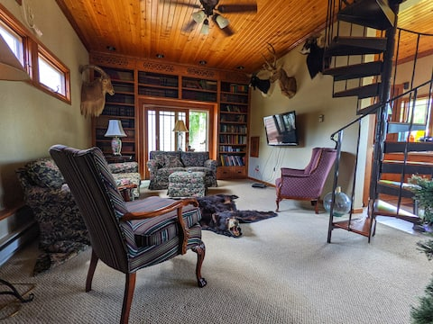 Cozy 1-bedroom cottage with fireplace