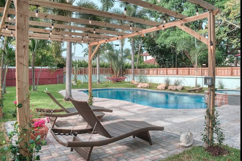 Relax. Grab a drink. Forget. Enjoy Delray Beach!