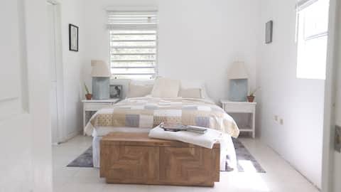 Cheerful 1-Bedroom Residential