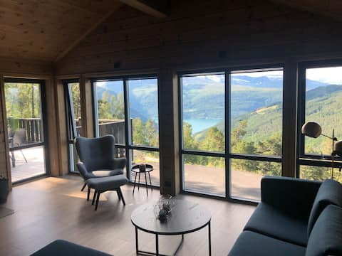 New, spacious cabin with a spectacular view