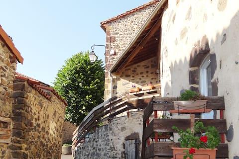 Village et Rivière