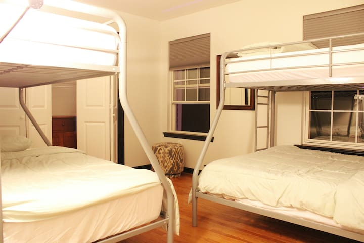 Fifth Bedroom 2 Bunk Beds Fulls/Twins