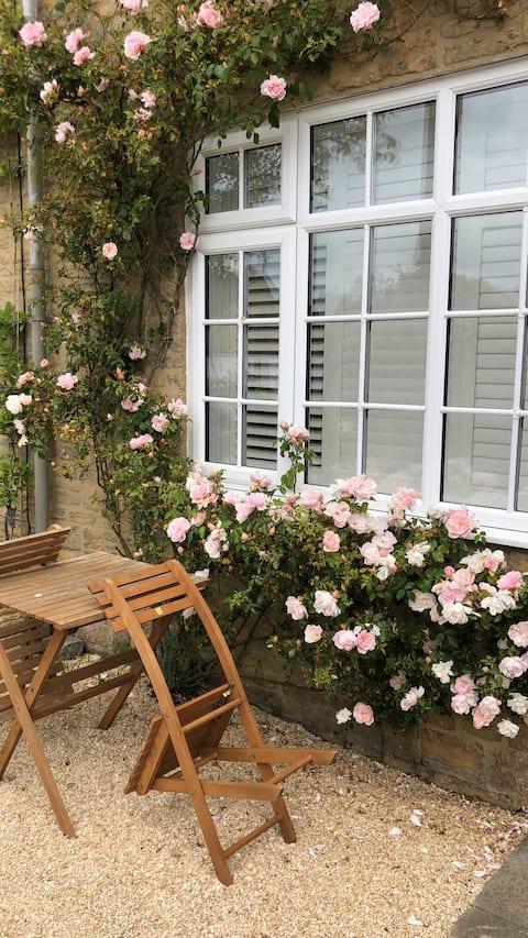 Cosy 3 bedroom cottage 10 mins to Soho Farmhouse