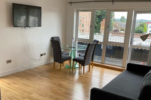 New 1bedroom serviced apartment with large balcony