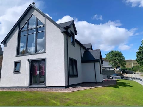 Millpond House - Luxurious  Island Home in Portree