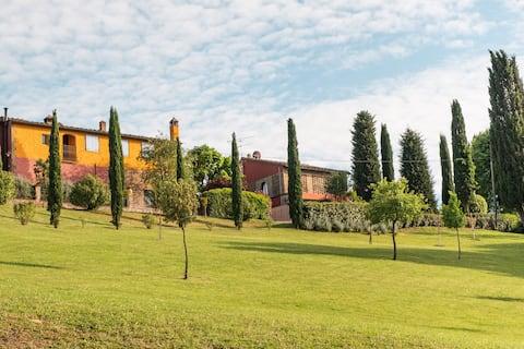 Il Fienile, luxury apartment on Tuscan hills