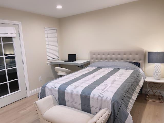 Queue Size Bed