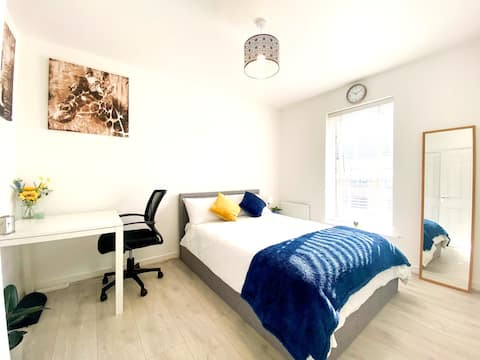 Modern private space in quiet North-West London