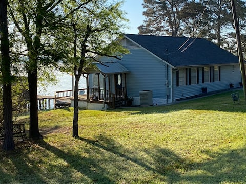 Sunrise and Lake time! Private Lake Front home