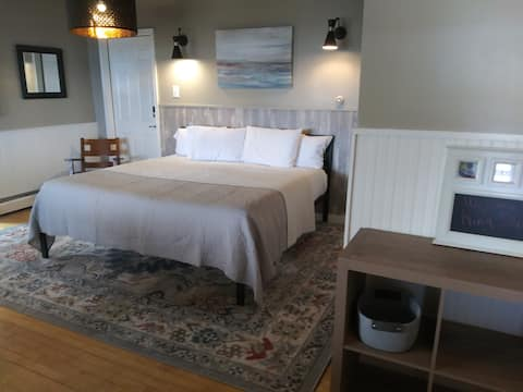 Harbor House King Suite with Lake Superior view