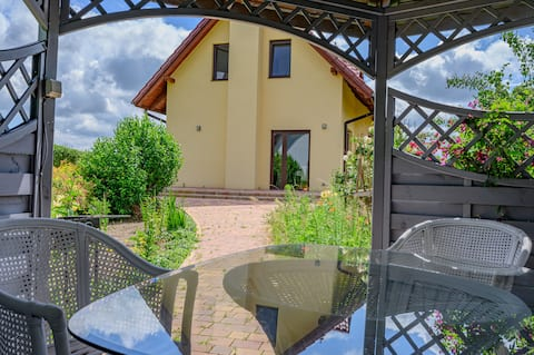 Cosy House Szewce - with BBQ and free parking!