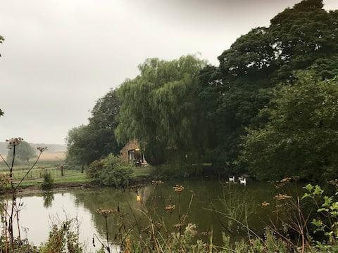 The Grey Goose, beautiful Farm Stay static caravan