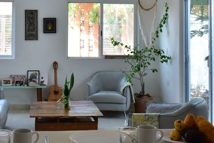 Our special hangout living room | Nuestra sala especial para convivir