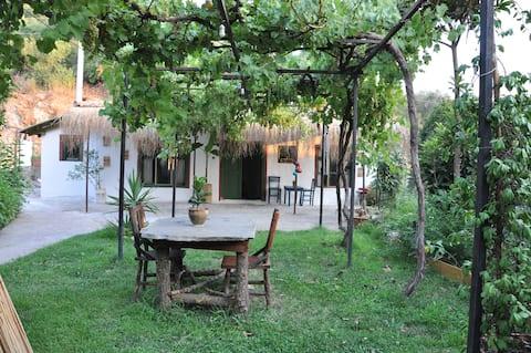 Orange Lodge- Bahçeli Köy Evi