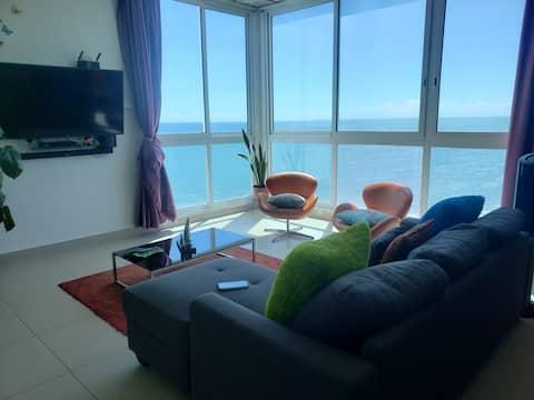 Hermoso apartamento frente al mar en Playa Corona